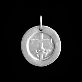Croix couronnée