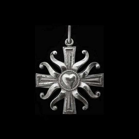 Croix au coeur