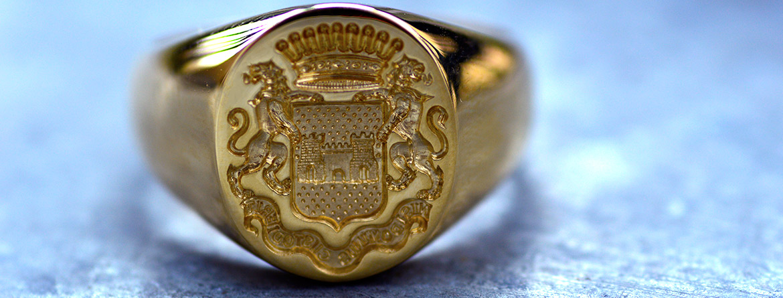 gravure armoiries chevaliere ecu couronne devise