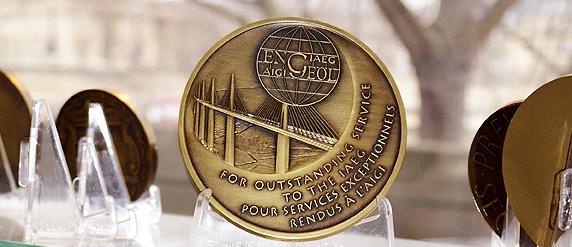 Pont de Millau medaille commémorative médaille d'ancienneté