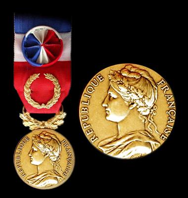 Medaille officielle d'honneur du travail 40 ans