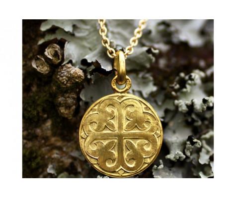 Médaille en or 18k de la Croix Fleuronnée
